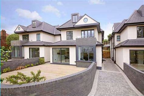 6 Bedroom Detached House For Sale In Shirehall Park