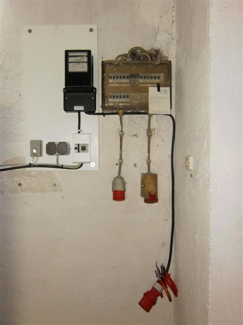 Manta  Garage Finsing » Elektroinstallation Der Werkstatt