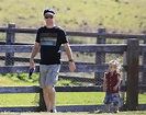 Chris Hemsworth and wife Elsa Pataky enjoy the hippy life ...