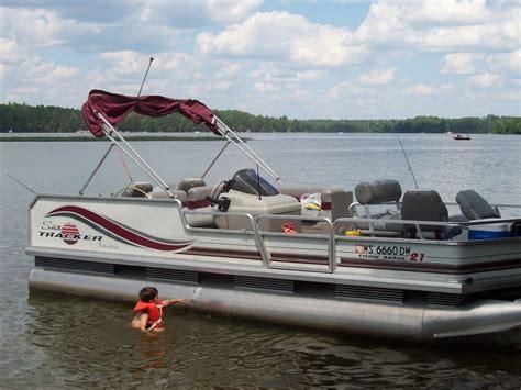 Fishing Pontoon Boats by Pontoon Boat Motor And Fishing Boat Rentals