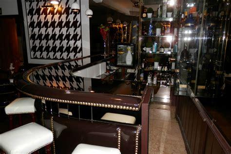 bar clasico estilo antiguo pub ingles reformark