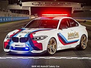 Pack Safety Bmw : bmw m2 motogp safety car the new m car to lead pack of superbikes auto trader south africa ~ Gottalentnigeria.com Avis de Voitures