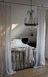 Bett Unter Dachschräge : 1000 ideas about bed placement on pinterest feng shui ~ Lizthompson.info Haus und Dekorationen