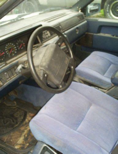 sell   volvo  base wagon  door   newport
