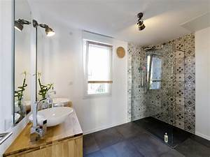Carreaux De Ciment Salle De Bain : des carreaux de ciment dans la salle de bains leroy merlin ~ Melissatoandfro.com Idées de Décoration