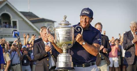 Tiger Woods Celebration : Tiger Woods Speaks at Opening ...