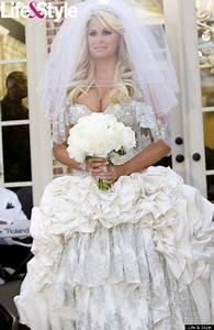 Celebrity wedding real housewives of atlanta kim zolciak for Kim zolciak wedding dress