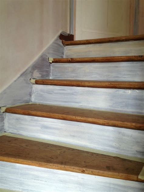 renover des escaliers en bois comment peindre un escalier en bois bricobistro