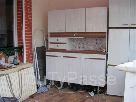 peinture pour formica cuisine peindre meuble en formica maison design mochohome com