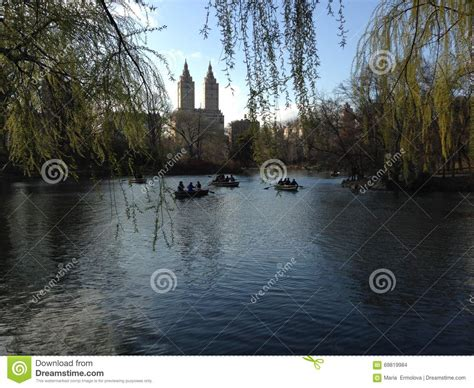 Central Park Lake Boat Rental by In Boats On Lake In Central Park In Manhattan New