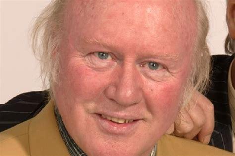 Grumbleweeds Star Graham Walker Dies Aged 68 After Cancer