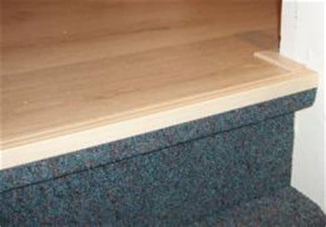 overgang trap laminaat laminaat in de gang bij een trap