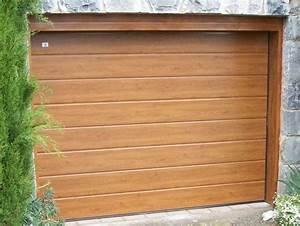 porte de garage sectionnelle lisse lame centrale imitation With porte de garage en bois