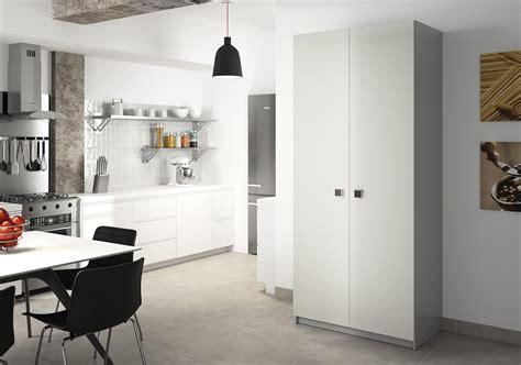 armoire de cuisine sur mesure rangement design pratique