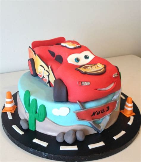 decoration gateau flash mcqueen les 25 meilleures id 233 es de la cat 233 gorie gateau flash mcqueen sur voiture flash