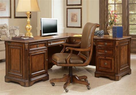 bureau d angle en bois massif le bureau en bois massif est une classique qui ne se