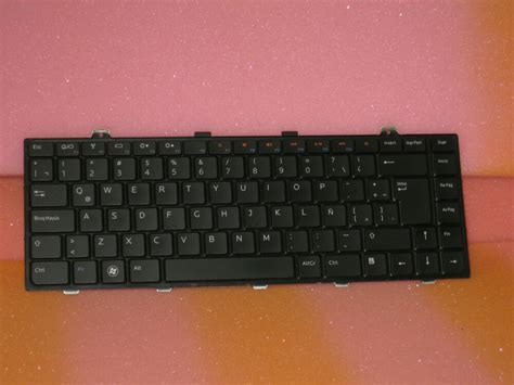 Genuine Dell French Canadian Notebook Keyboard T7428