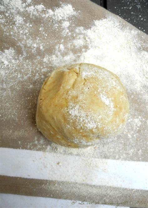 pate brisee al huile p 226 te bris 233 e au petit 233 peautre et huile d olive de recettes bio le cri de la courgette
