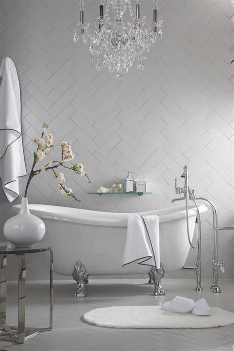 10 Eyecatching And Luxurious Black And White Bathroom Ideas