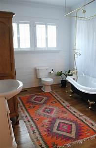 on vous presente le tapis de salle de bain en 45 images With porte de douche coulissante avec tapis de sol salle de bain antidérapant