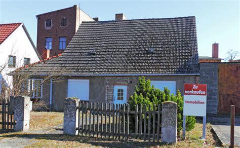 altbau sanieren oder neu bauen haus sanieren oder neu bauen wenn das traumhaus zur kostenfalle wird heimwerkertricks net