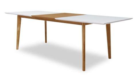 table bois et verre avec rallonge table 224 diner svartan avec plateau blanc mat et rallonge bois mobilier moss