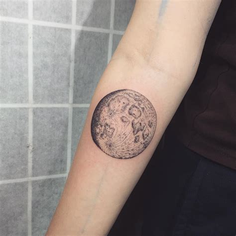 moon tattoo designs meanings    sky