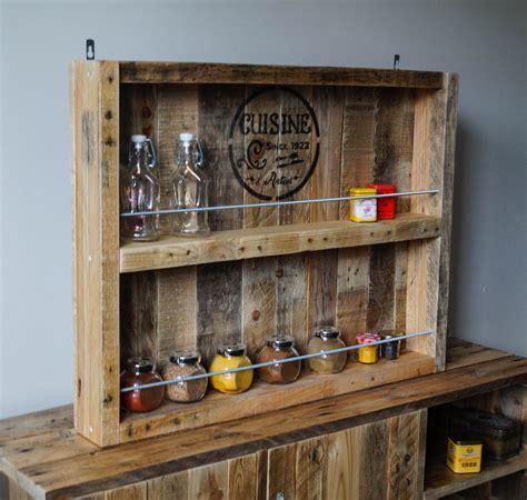etagere cuisine bois etagère à epices en bois et tiges filetées en metal