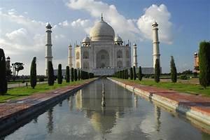 Tourism across the world: Taj Mahal in India
