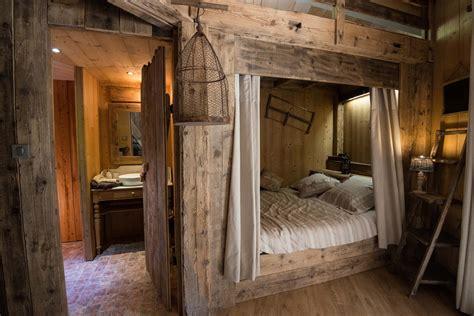 chambres dans les arbres top 5 des hébergements insolites pour cet hiver le du
