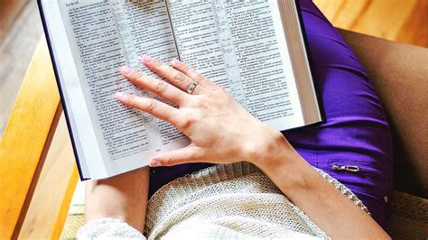 50 Best Reading Nooks We Have Ever Come Across : 3 Most Misunderstood Bible Verses On Money