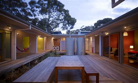 courtyard houses housetrained homes interiors domestic design