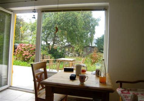 Wohnung Mit Garten Kaufen by Sch 246 Ne Wohnung Mit Gro 223 Em Garten Und Viel Nutzfl 228 Che In