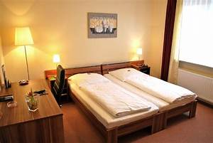 Zimmer In Kiel : standardzimmer dietrichsdorfer hof das 3 sterne hotel in kiel ~ Orissabook.com Haus und Dekorationen