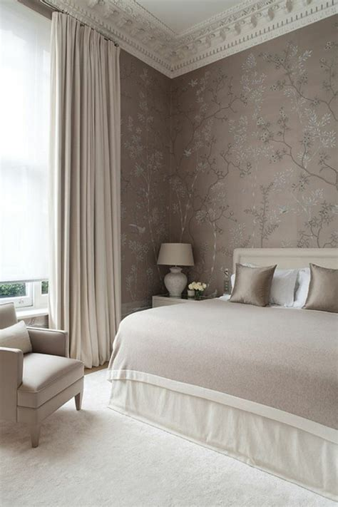 chambre couleur taupe et blanc superb idee tapisserie chambre adulte with