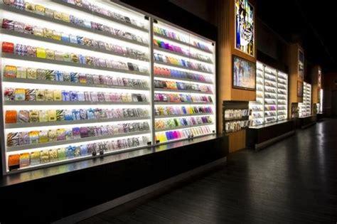 mobile accessories store wireless accessory retailer cellairis debuts store concept