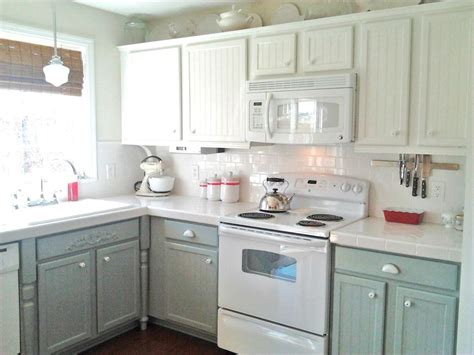 While white still remains a popular color, grays, blues, and greens are making their way into the top colors. Kitchen Remodels With White Cabinets Pictures | Roy Home ...