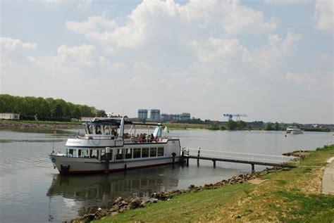 Platbodem Varen Aan De Maas by Varen In Well Limburg Well Aan De Maas