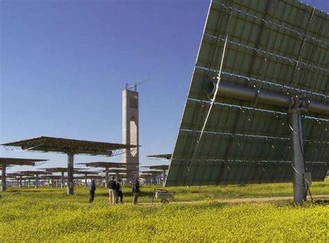 Калифорнии уже некуда девать солнечную энергию . новые известия