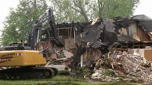 Workers Demolis... Broken Arrow