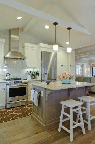 cottage kitchen images best 25 bungalows ideas on small 2653