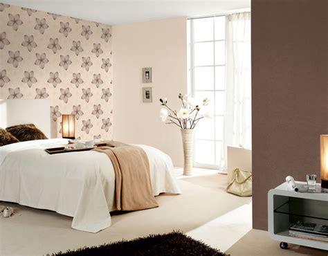 modele tapisserie chambre des papiers peints jeunes et colorés gt intérieur et décoration