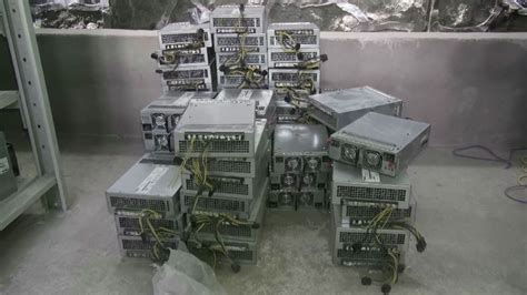 China's mining cartel is breaking up, and bitcoin mining is decentralizing thanks to the dry season, obsolete equipment, and rising global interest. We looked inside a secret Chinese bitcoin mine - BBC Future