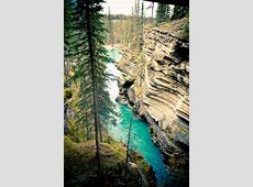 Explore Athabasca, The World's Unusual Waterfall