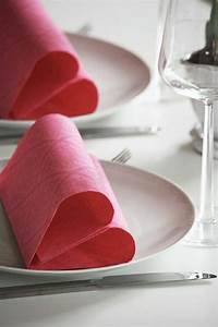 Pliage De Serviette En Tissu : 1000 ideas about pliage serviette en papier on pinterest ~ Nature-et-papiers.com Idées de Décoration