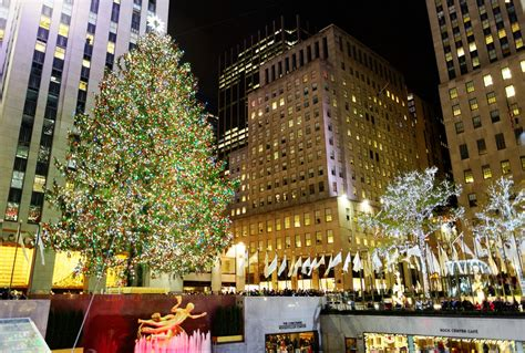 christmas tree lighting nyc 2017 everything you need to know about the 2017 rockefeller