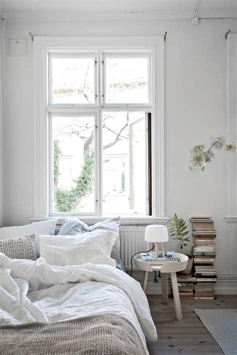 small white bedroom un premier appartement de r 234 ve planete deco a homes world 13356