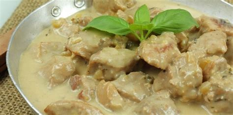 cuisiner un sauté de porc sauté porc facile en ragoût aux fourneaux