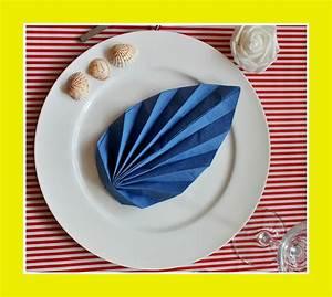 Serviettenfalttechniken Mit Papierservietten : servietten falten blatt servietten ~ Watch28wear.com Haus und Dekorationen