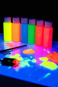 10 Super Awesom... Glow In The Dark Paint